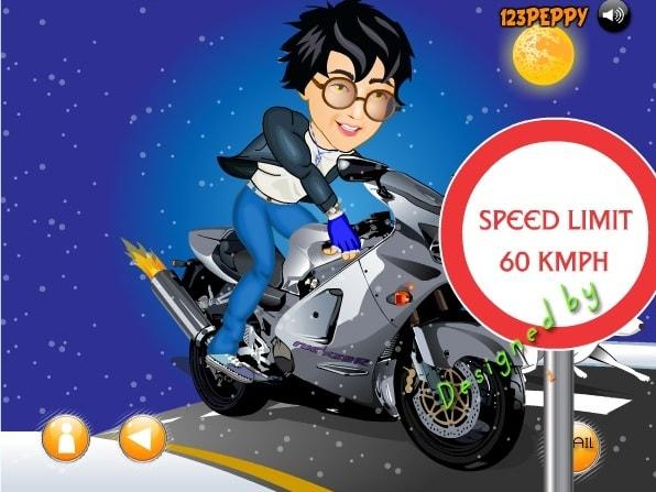Гарри Поттер на мотоцикле