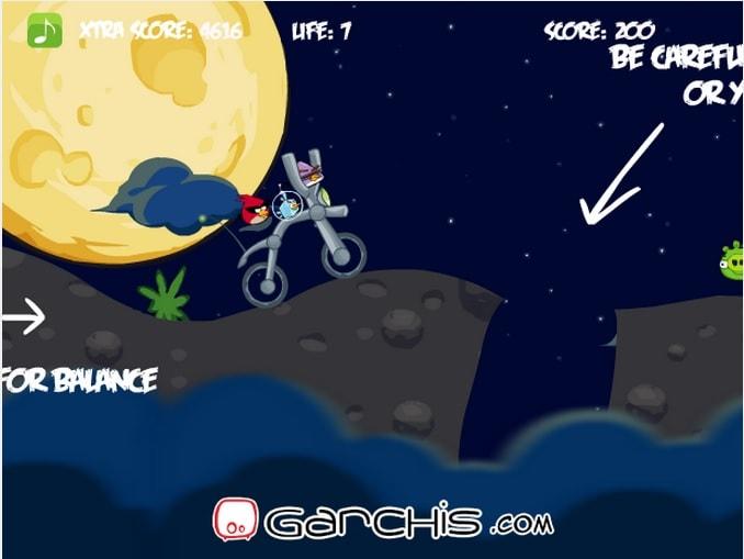 Angry Birds: Космический мопед